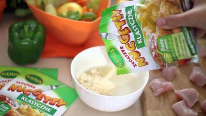 Złociste nuggetsy z marchewką i groszkiem