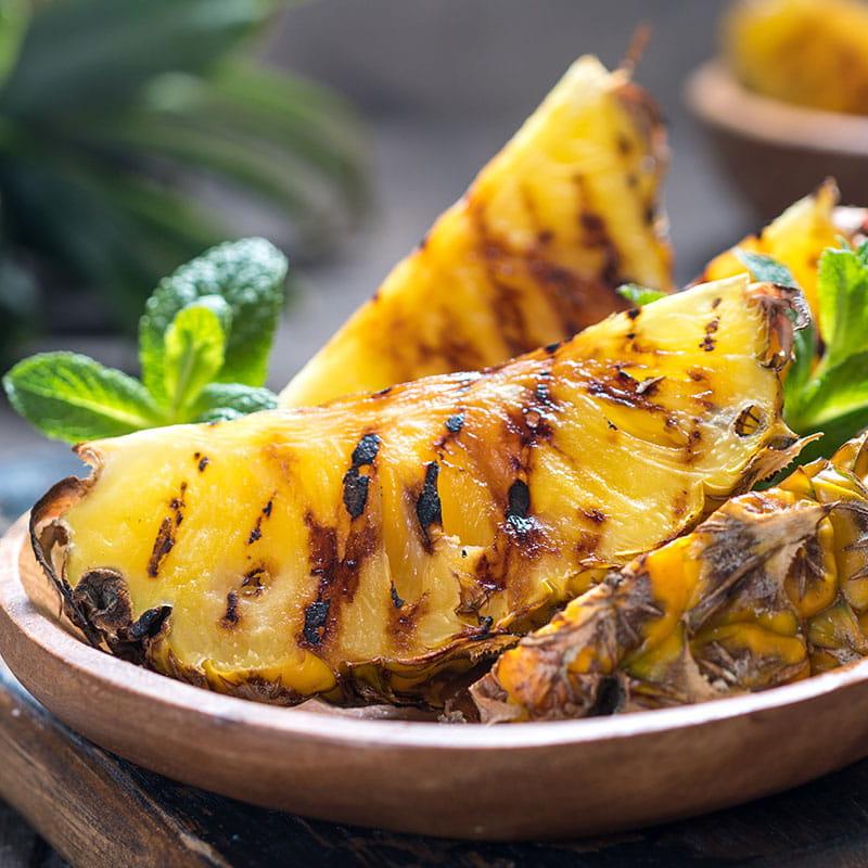 Ananas Grelhado com Rum e Canela