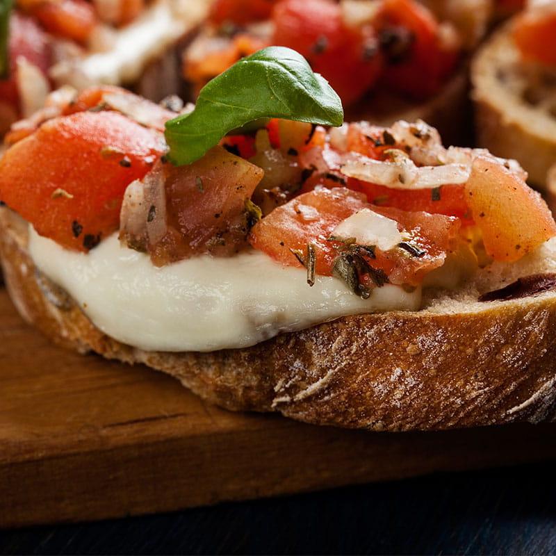Bruschetta de Tomate e Mozzarella