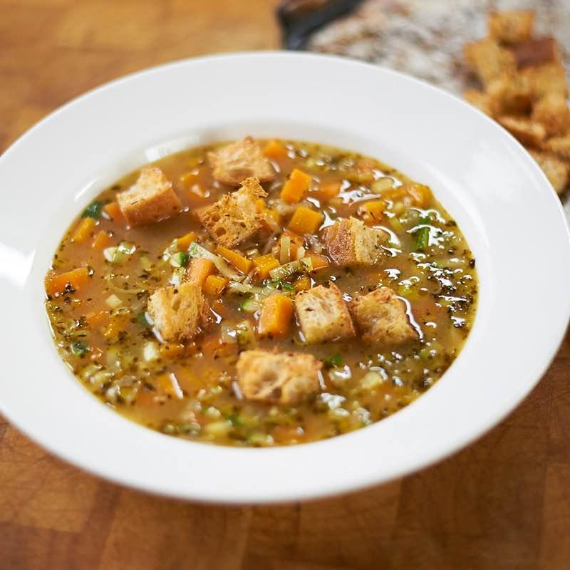 Sopa Camponesa com Ervas De Provence