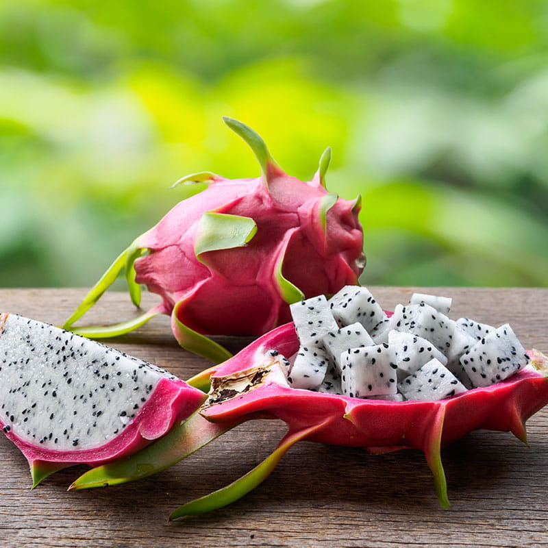 «Salada» de Pitaya e Morango com Xarope de Pimenta
