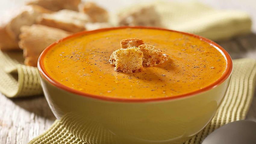 Suppe aus geröstetem Gemüse und Petersilie