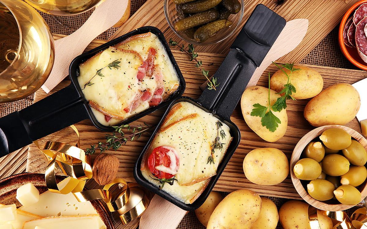 Wie man eine perfekte Raclette-Party mit Motto organisiert