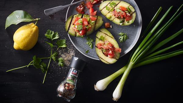 avocado_mit_lauwarmem_tomatensalat_2000