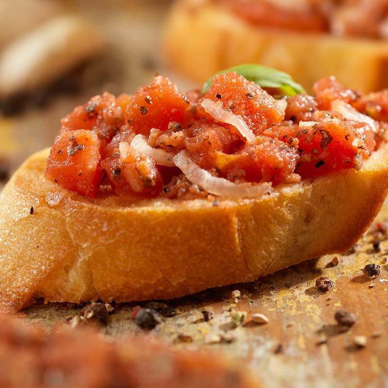 Frische Tomaten-Bruschetta