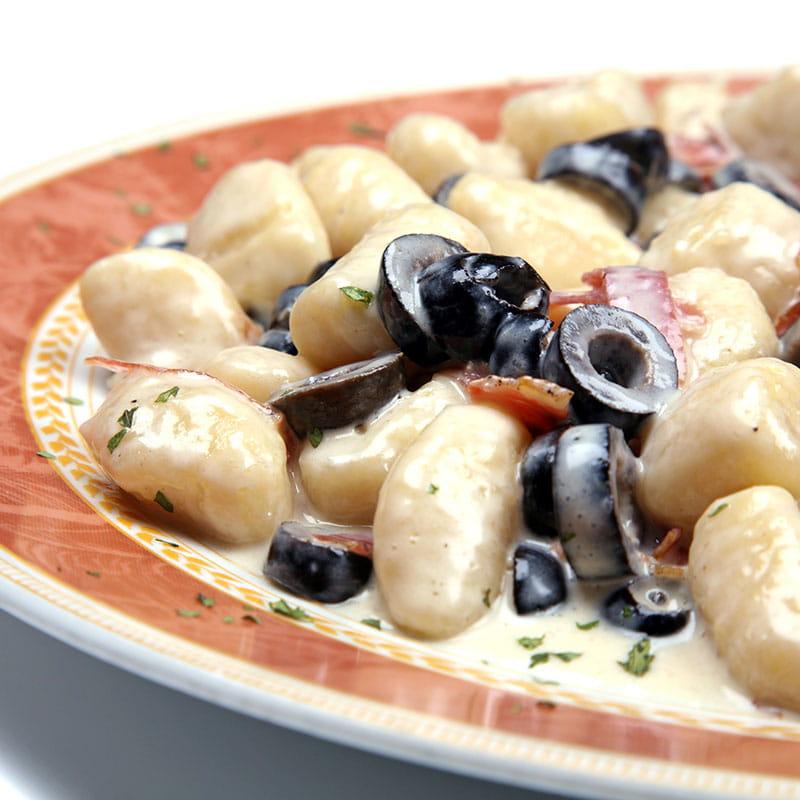 Gnocchis à la sauce aux olives poivrée