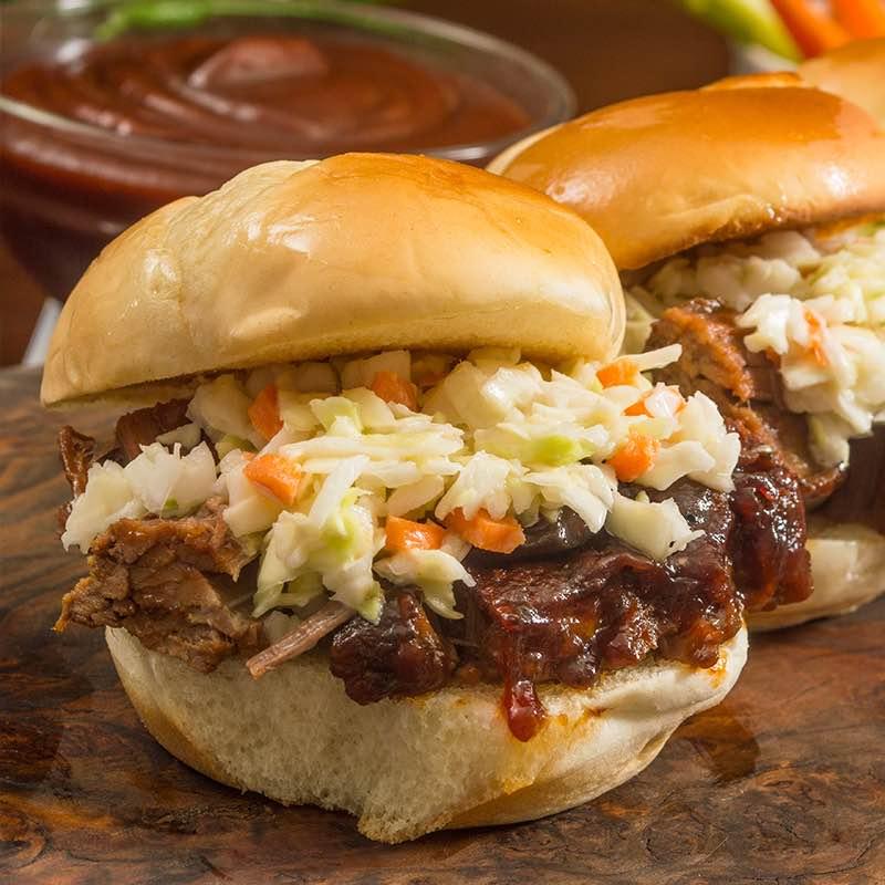 """""""japanische Gewürze""""-Rinderbrust-Sandwiches mit Fenchel-Krautsalat"""