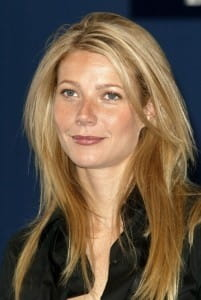 Gwyneth Paltrow takes cookery classes