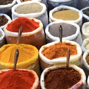 Mix spices into a salad