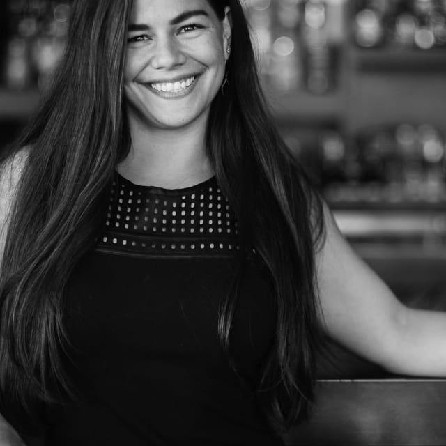 Chef Julia Momosex