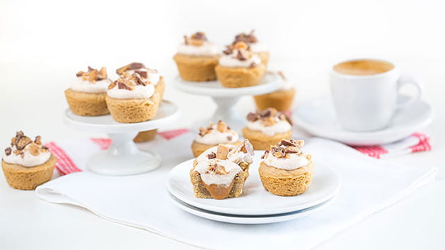 SNICKERDOODLE BITES WITH COCONUT WHIPPED CREAM