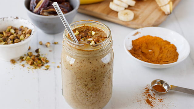 CHOCOLATE BANANA SHAKE WITH TURMERIC AND CINNAMON