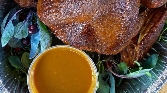 Smokehouse Turkey Gravy