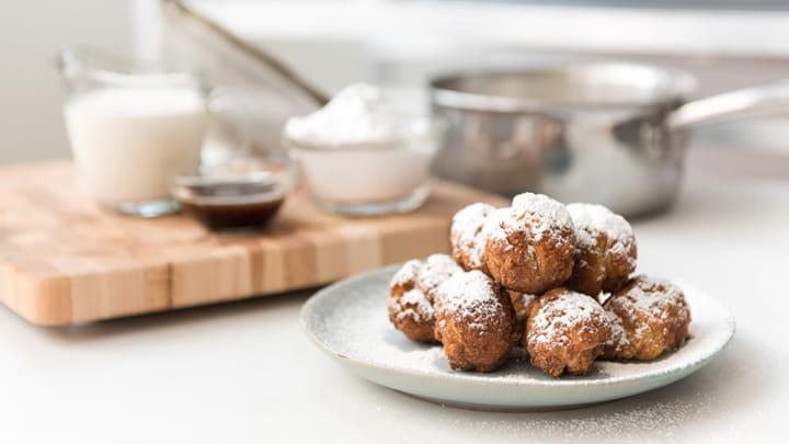 Eggnog Snowballs