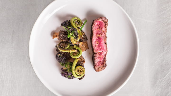 ribeye_with_montreal_steak_seasoned_vegetables_mikel_anthony_720x405
