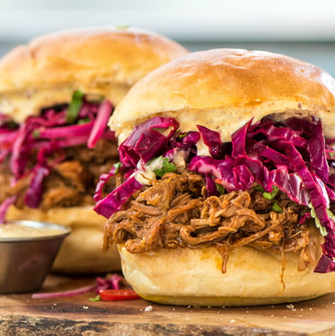 bbq_pulled_pork_sliders_with_smashed_red_potatoes_green_beans_and_slaw_cano_720x405