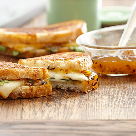 Grilled Cheese With Chipotle Peach Preserves