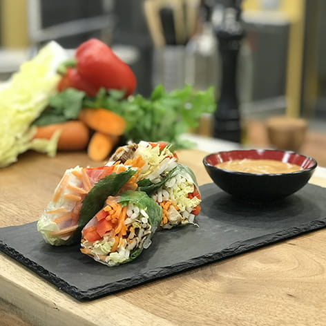 Vegetable_Summer_Rolls_with_Peanut_Dipping_Sauce_720x405_2