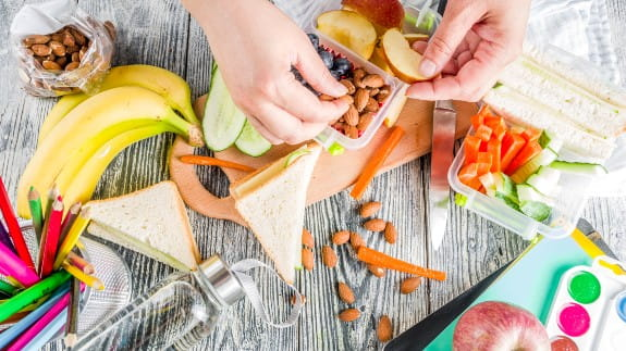 food-banks-kids-lunch