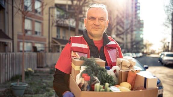 Food-Banks-volunteer-box
