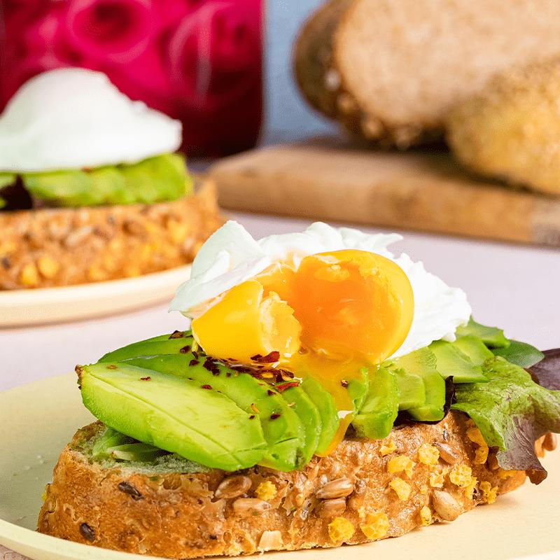 Avocado toast met een gepocheerd ei | Silvo recepten