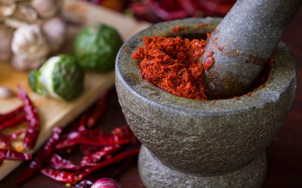 Sortez des sentiers battus avec quatre emplois de la pâte de curry