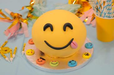 gateau_smiley_roxane_2000